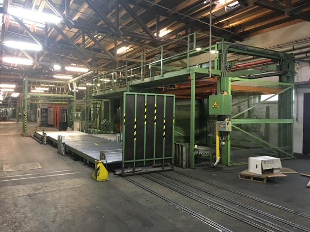 Desmontaje y fábrica completa con línea ondular